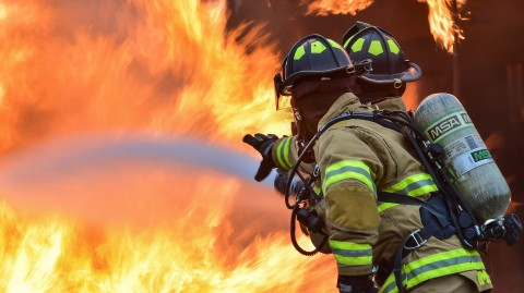 firefighters-1717916_1920